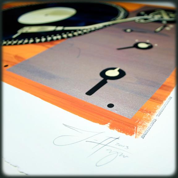 lab-400-turntable-orange-detail-arvizu
