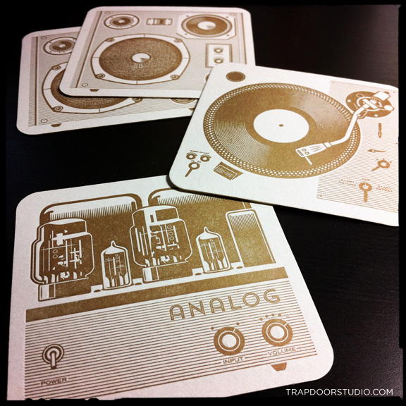 Analog-group-Coaster-arvizu