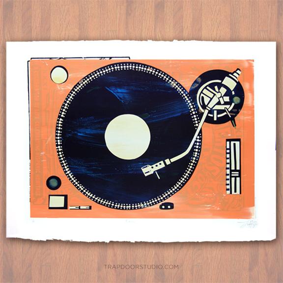 Analog-turntable-vintage-arvizu